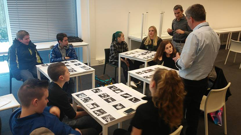 Een bijeenkomst bij zorgorganisatie Sevagram