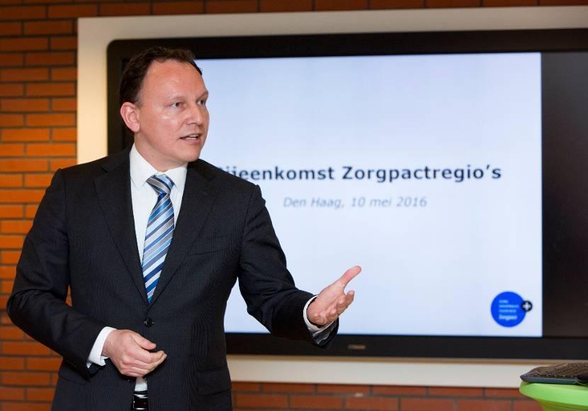 Wethouder Ap Reinders tijdens regiobijeenkomst Zorgpact