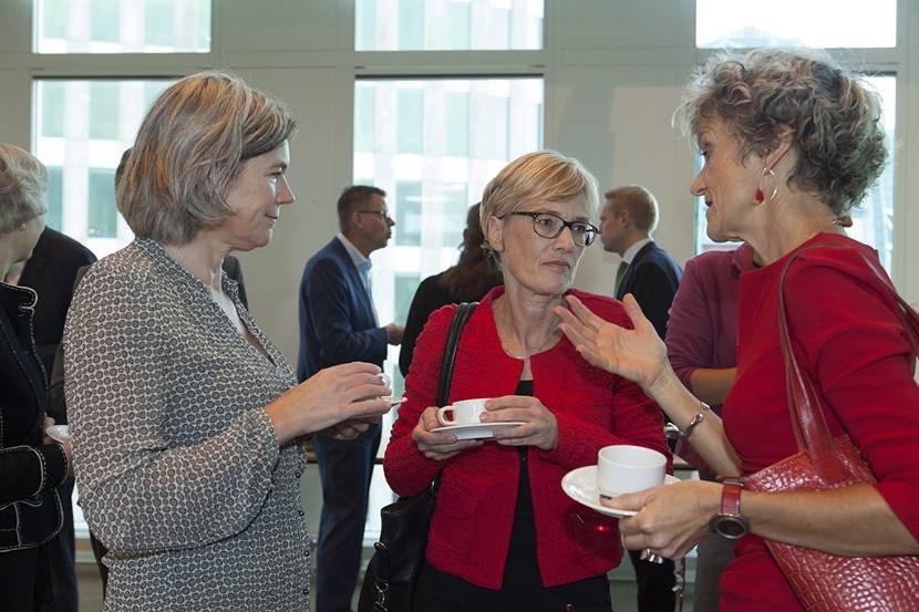 Deelnemers werksessie regionale zorgpacten praten met elkaar