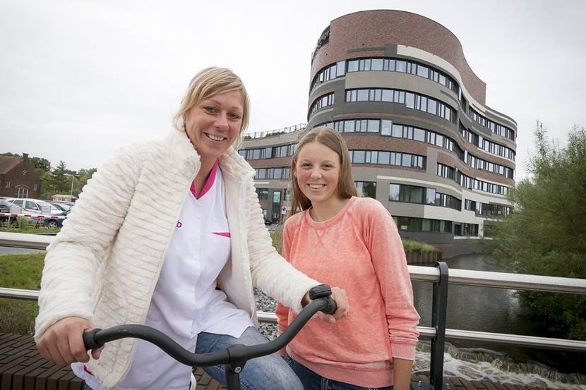 Leerlingen Zorgboulevard Roosendaal op de fiets